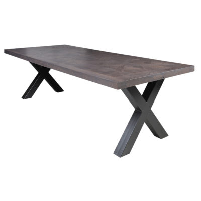 Tapis dining table